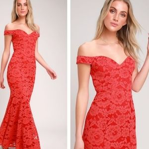 NWT Lulu's Swept Up Lace Off the shoulder maxi dre